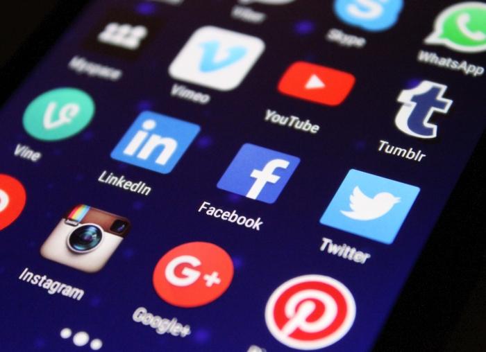 közösségi média, weblapkészítés, weblapkészítés Pécs, weblap készítés, weblap készítés Pécs